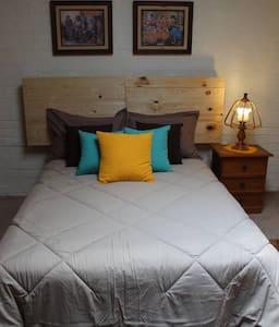 Acogedora Habitación B&B en Santa Fe-Villa Verdún.