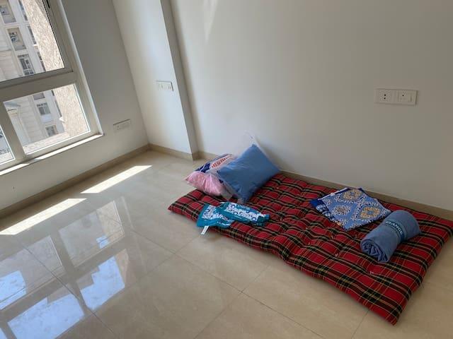 Private Room for rent in a Posh complex