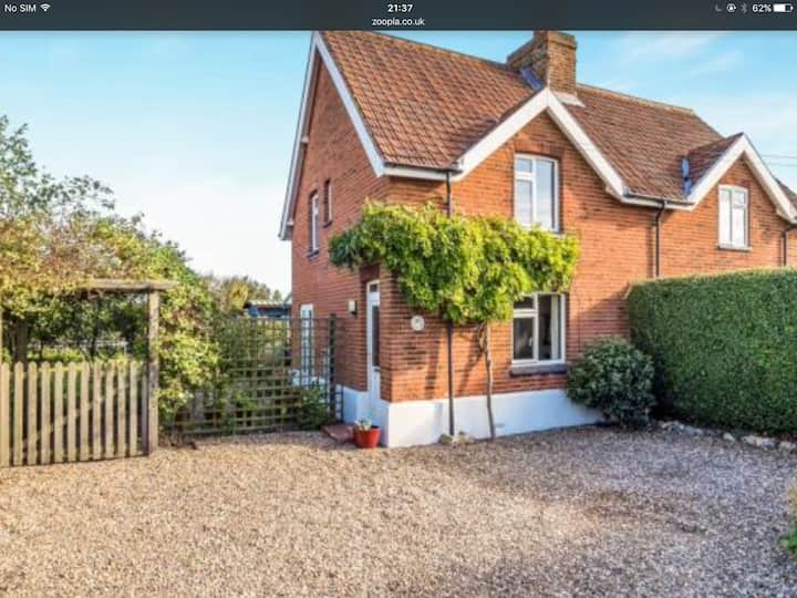 Beautiful cottage on the Champagne coast nr Cromer