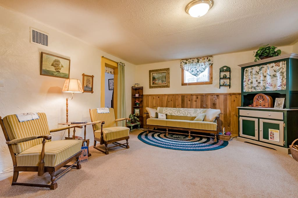 Our comfortable, roomy 1940's cozy apartment is ready to charm you with Mid-Century comfort.