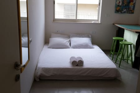 A double room in the middle of the Galilee - Yuvalim - Casa