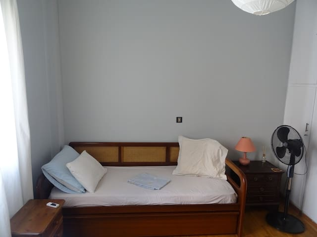 Cozy room in the Athens center (CARAVEL hotel)
