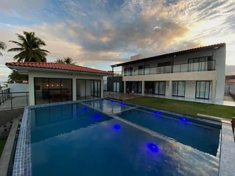 Linda Casa beira mar praia azul