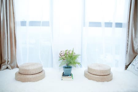 【和你】极简北欧/吊椅/巨幕/浪漫舒适/大学城商务中心