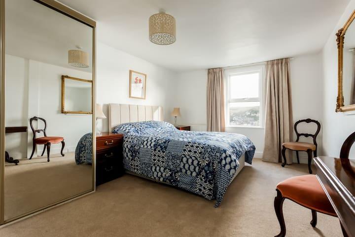 Master bedroom, King size bed, ensuite shower room