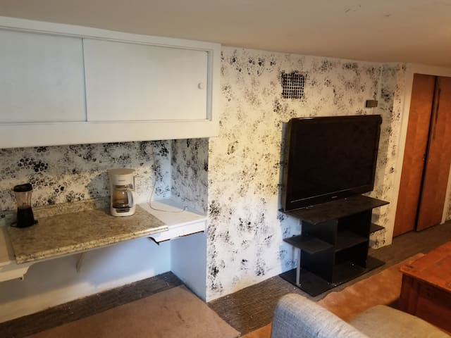 Shadle Park Private Room w/amenities!!