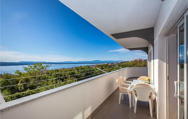 Beautiful home in Crikvenica with WiFi and 2 Bedrooms