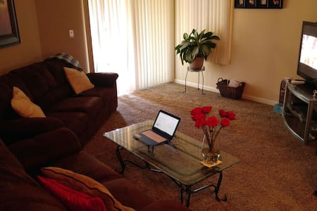 1 bed/ 1 bath in Pittsburg - Pittsburg - Leilighet