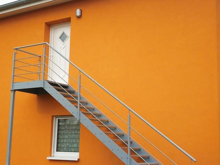 """Zwei Doppelzimmer mit 43"""" TV, WLAN, Bad und Küche"""