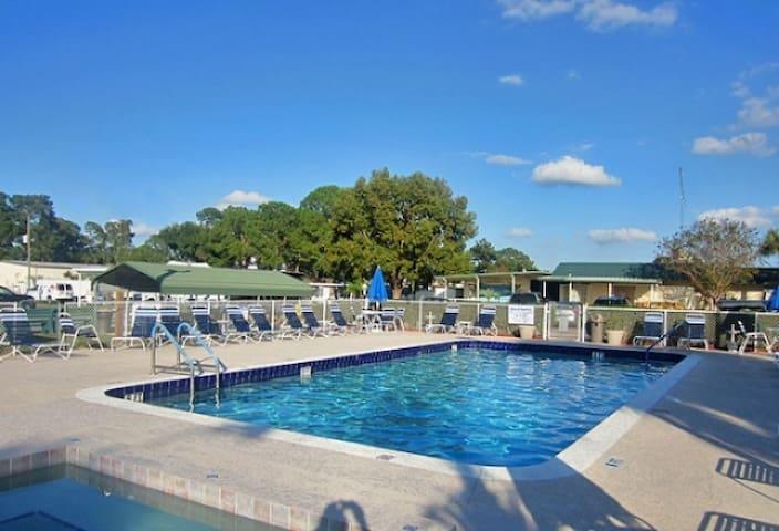 Charming 1/1 Pool & Hot Tub RV Resort Near Disney
