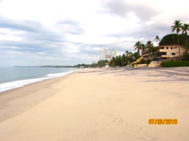Playa Coronado, private gated community