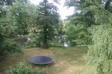 Ferienwohnung in Traumlage an der Spree bei Berlin - Erkner - Apartamento