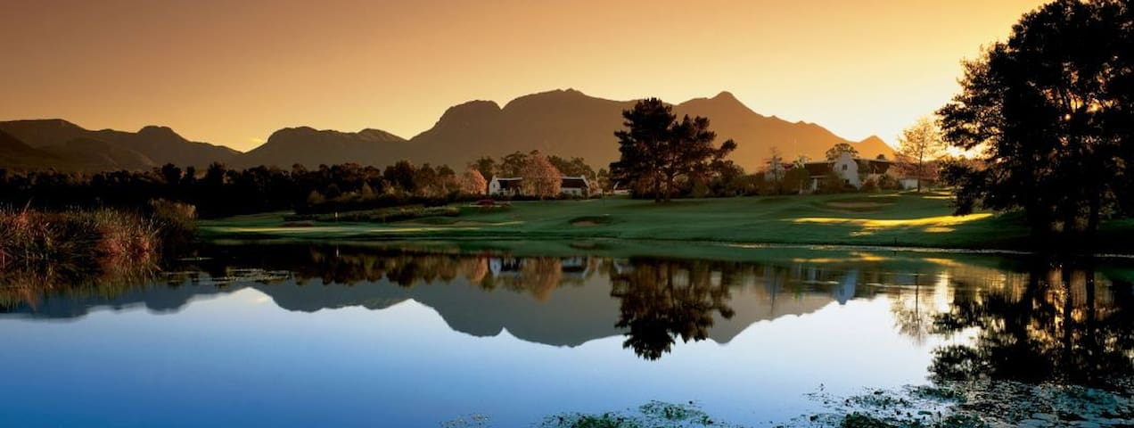 Perfect Location on Fancourt Golf Estate - George - Appartement