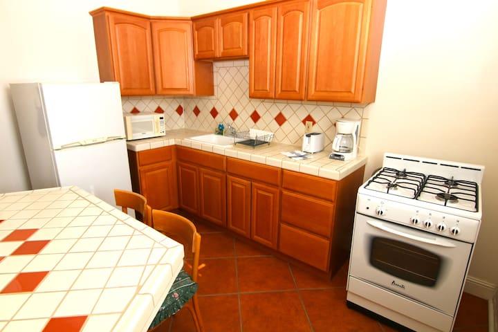 Kitchen w gas stove