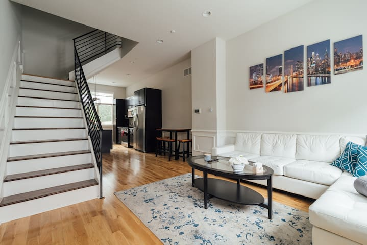 ⭐️Lux 3 Bedroom⭐️near PENN/CHOP⭐️Roof Deck⭐️3 Bath