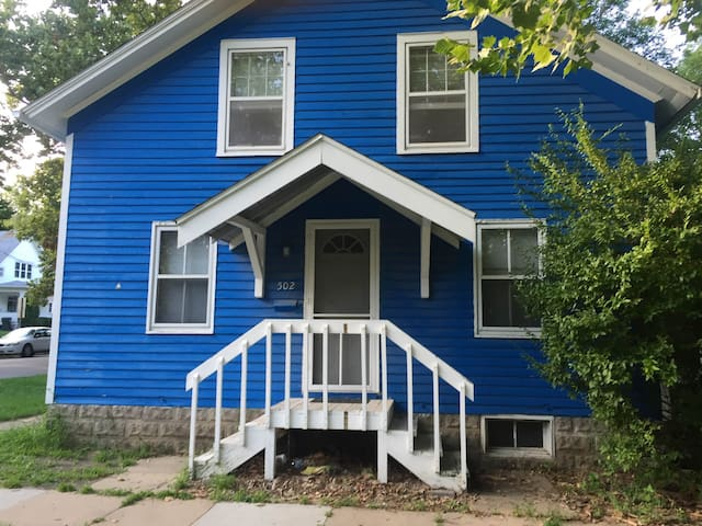 Blue Northside House - Iowa City - Huis