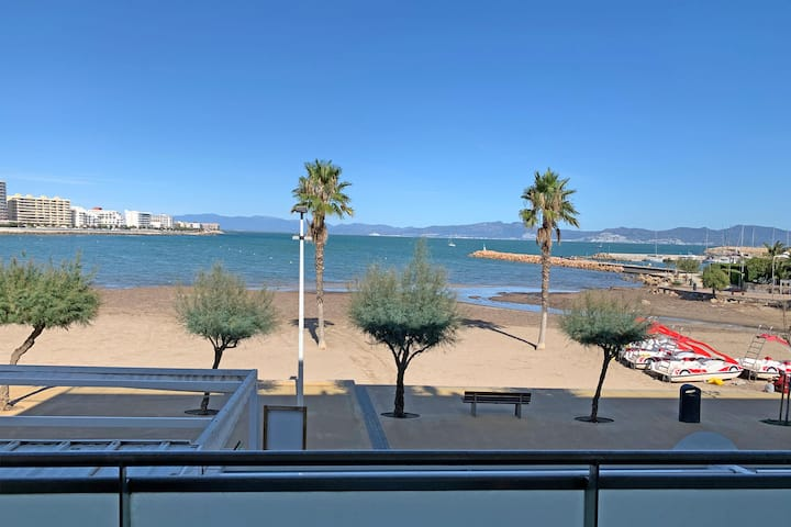 Appartement 6 PAX bij strand en centrum WIFI Airco