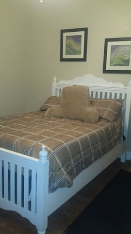 Full size bedroom - Sebring - House