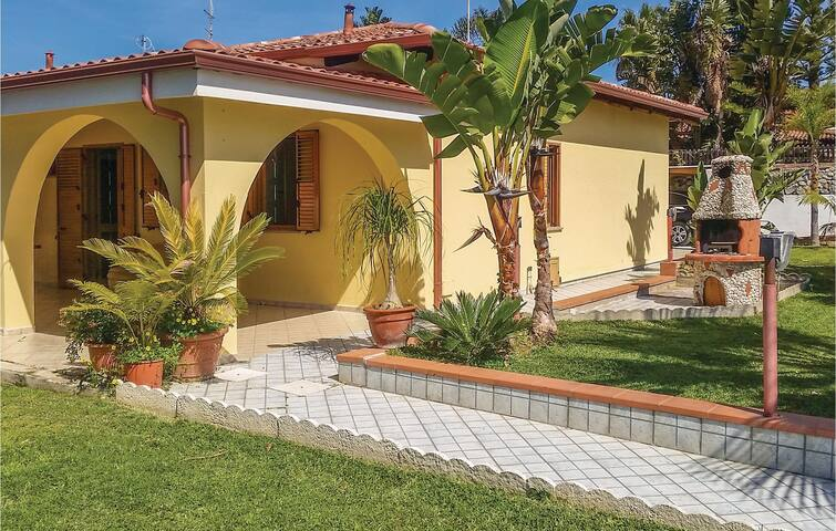 Semi-Detached with 3 bedrooms on 100 m² in Ricadi S. Maria -VV-