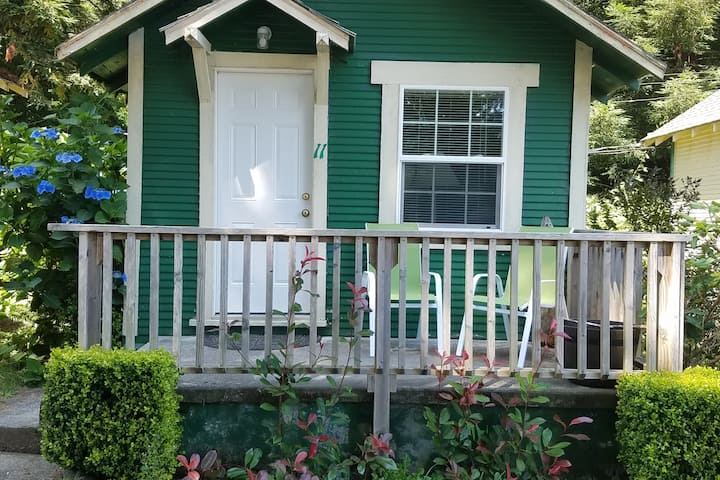 Woodland Villa Cabin 11
