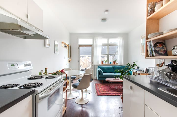 Bright, spacious house in hip Queen West.