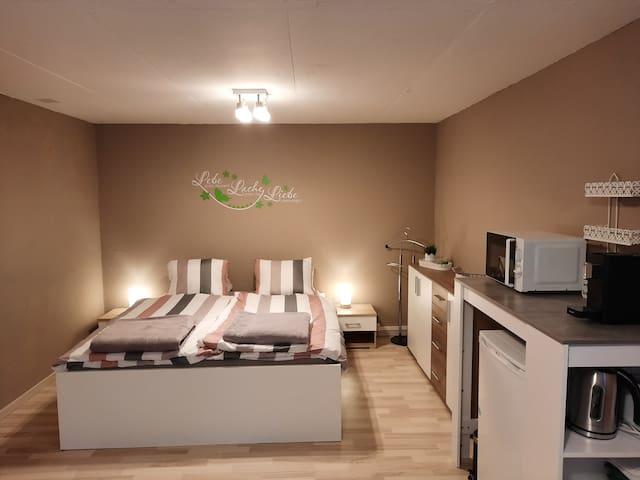 Top modernes Zimmer in ruhiger und ländlicher Lage