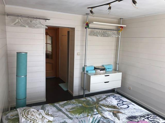 TOMORROWLAND - Cosy en-suite bedroom, w/ shuttle