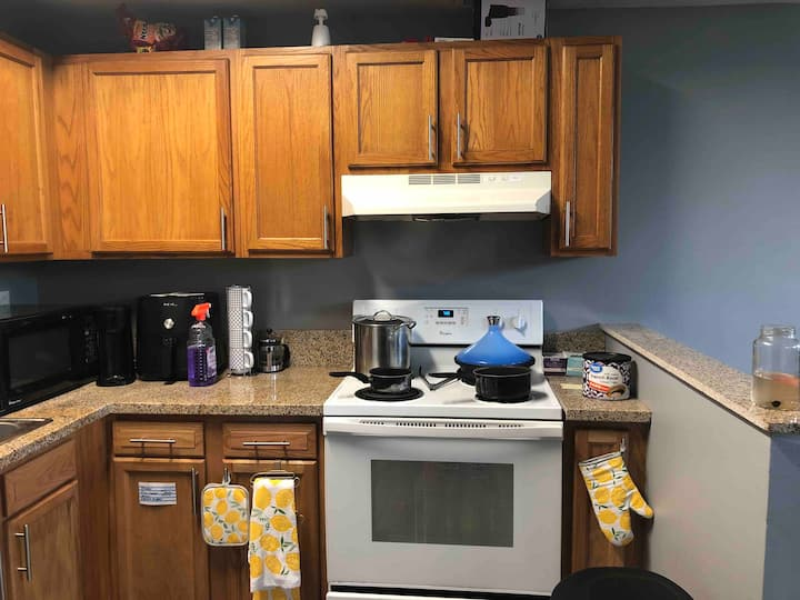 Cincy Private Room in 2-bedroom Near UC & Downtown