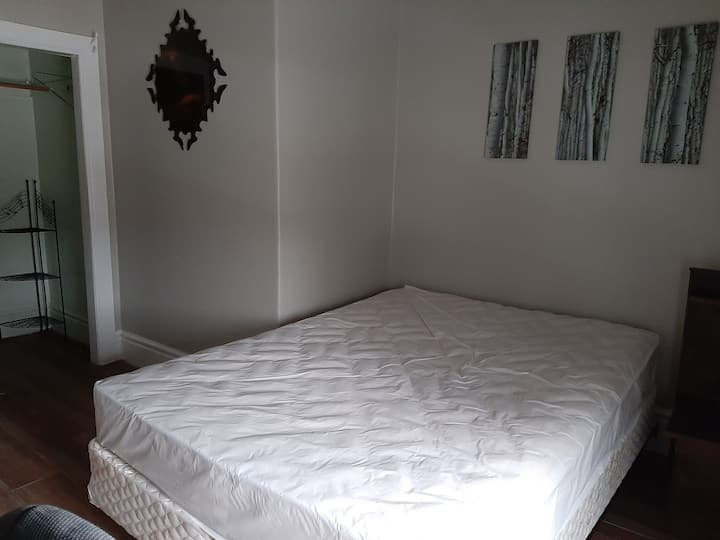 Clean cosy 1 room for rent