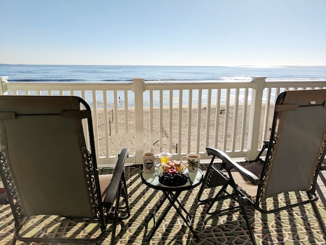 Beachfront Condo with Amazing Ocean Views!! 4th Fl