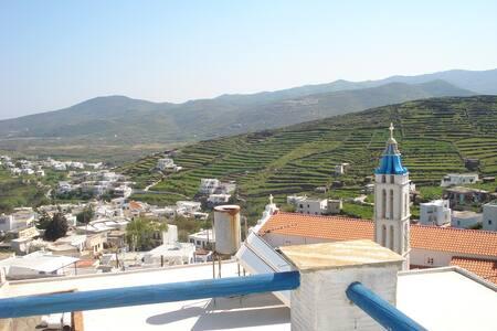 Ειδυλλιακή πέτρινη παραδοσιακή μεζονέτα (115 τ.μ) - Tinos