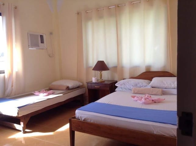 Emys Place ( Triple Sharing Room) - Coron  - Appartement