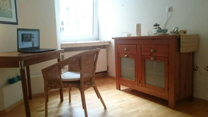 Private Bathroom and Room in hip City Centre