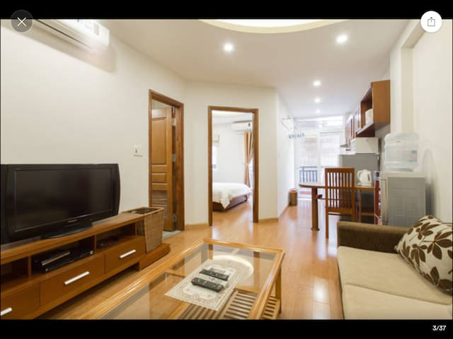 L502 Palmo Serviced Apartment 1BR - Free Laundry - Liễu Giai - Huoneisto
