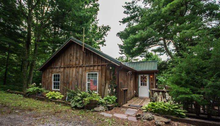 Autumn Ridge cabin in the Blue Ridge Mountains