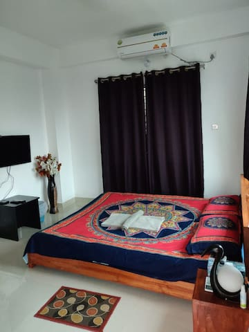 THE BLU INN COMFY STAY@ BASHUNDHARA R/A, DHAKA