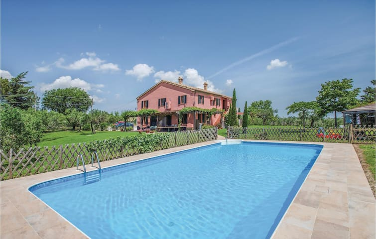 Holiday cottage with 6 bedrooms on 1100m² in Ostra Vetere -AN-