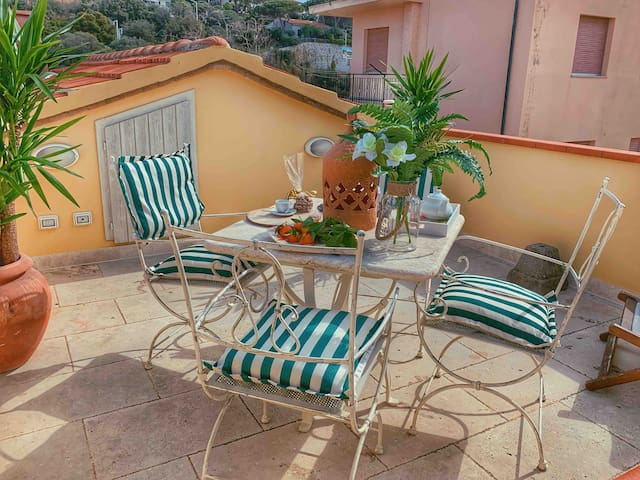 ARCHI apartment San Vincenzo - Tuscany - PARKING