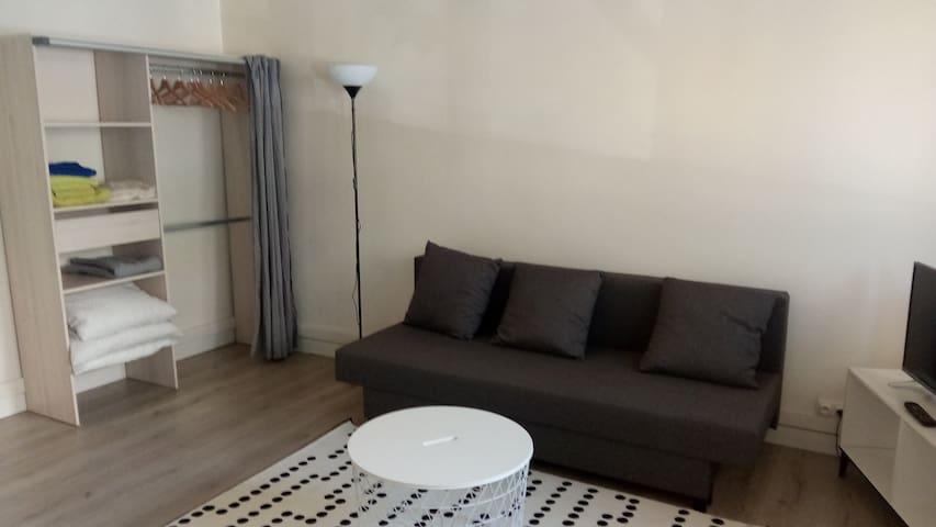 Studio, lumineux et accéssible (prés de Paris)