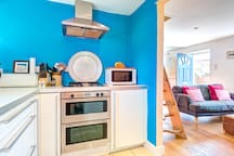 Double oven and microwave.