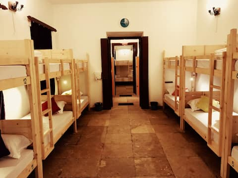 Bed in Mixed Dorm in Cohostel, Calangute