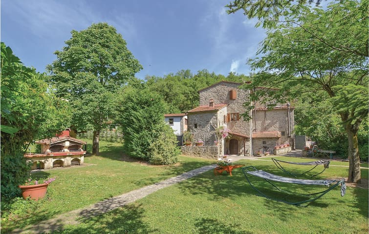 Semi-Detached with 3 bedrooms on 150m² in Castel Focognano (AR)