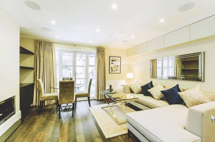 A fine hotel apartment