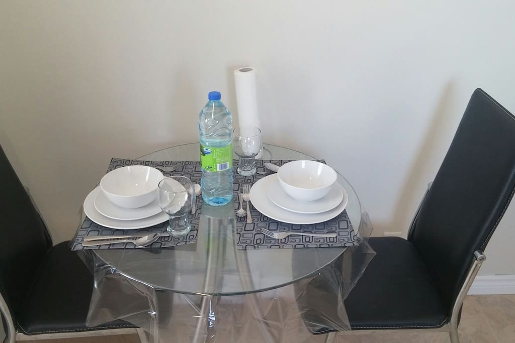 The cute dinning table.