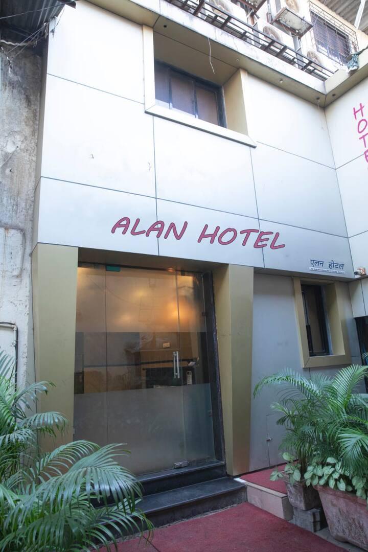 Alan Hotel