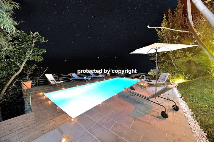Unique Seaview Retreat