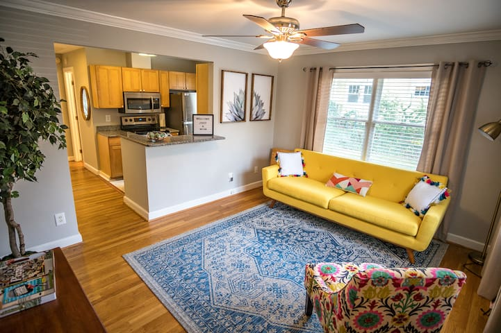 Downtown Raleigh Condo- Walkable to EVERYTHING!