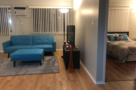 DISCOUNTED EXTENDED STAY! Chic 1 Bedroom Apartment