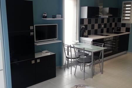 Studio indépendant 26m2 climatisé - Lattes - Haus