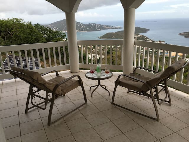 Amazing Views from Shamalie Rentals - Charlotte Amalie - Hus